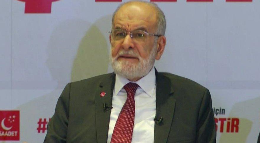 Karamollaoğlu İstanbul'da gazetecilerle buluştu.