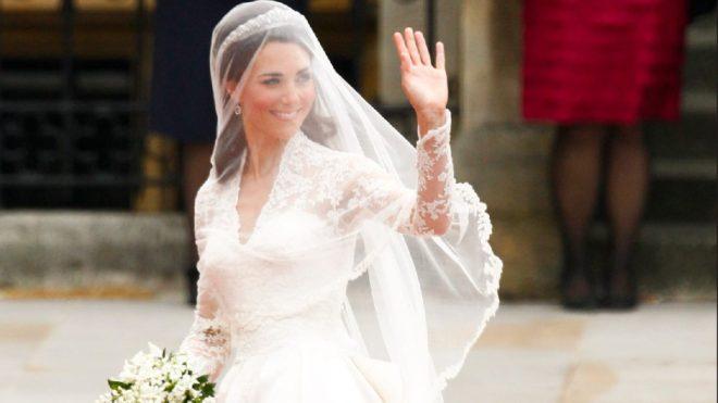 Middleton'ın 2011'de giydiği gelinlik 250 bin sterlin değerindeydi.