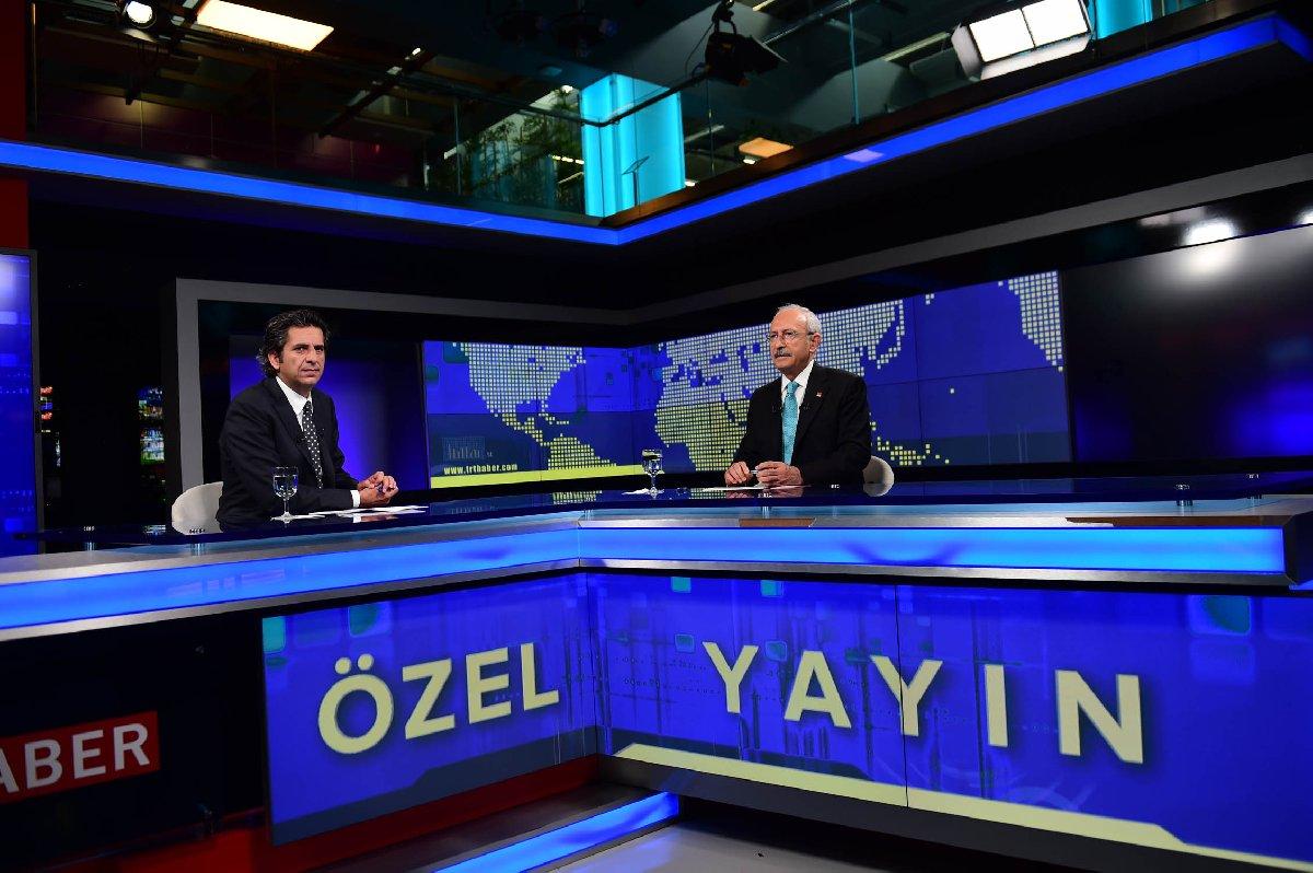 Muhalefetin TRT gözüktüğü ender dakikalardan biri... CHP lideri Kemal Kılıçdaroğlu FETÖ'nün 15 Temmuz darbe girişiminin ardından TRT özel yayınında/Fotoğraf: Depo Photos