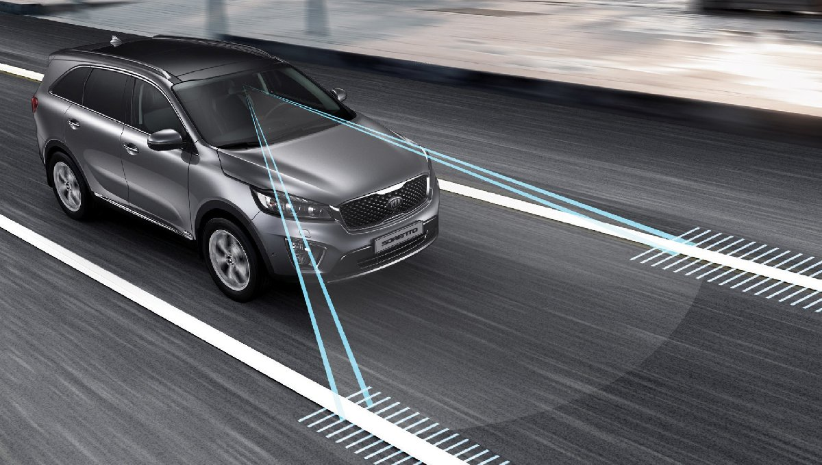 lane-keeping-assist-systems-explained9-kopya