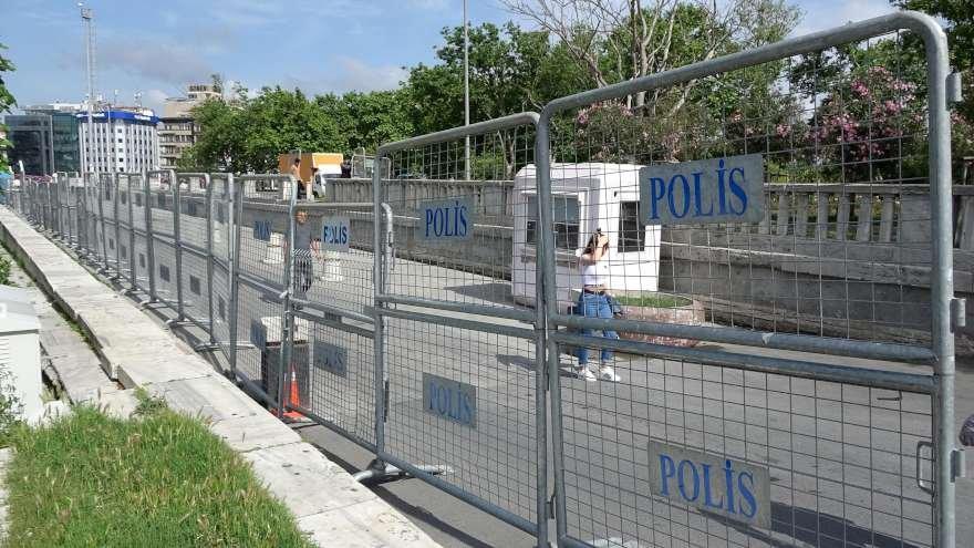 polis-bariyer-gazi-parki-6