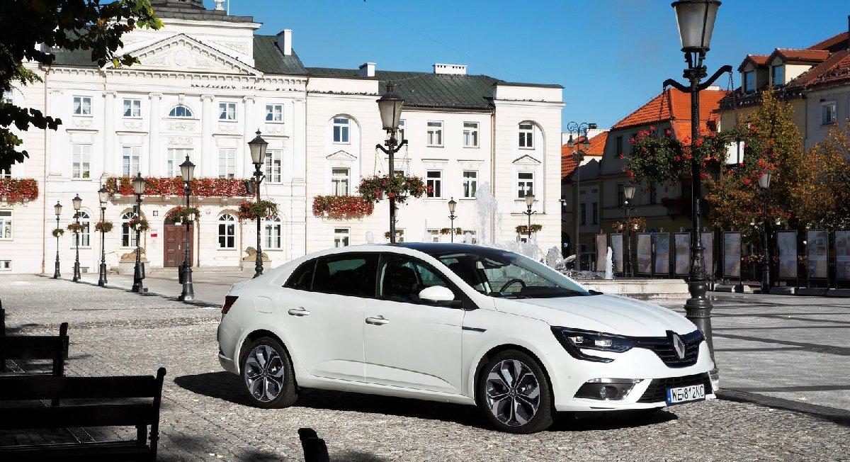 renault-megane_sedan-2017-1600-03-kopya