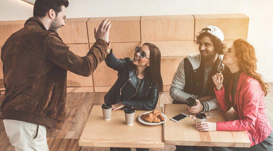 Başak: Arkadaşlarınızla daha iyi ilişkiler kurabilir, davetler, organizasyonlar, önemli bir takım etkinliklere katılabilirsiniz. Hayatınıza çok seveceğiniz ve hızlı bir şeklide kabul edebileceğiniz yeni tanışmalar yaşayabilirsiniz. Bu süreçte özgürlük ve bağımsızlık ihtiyacını çok daha artacaktır.