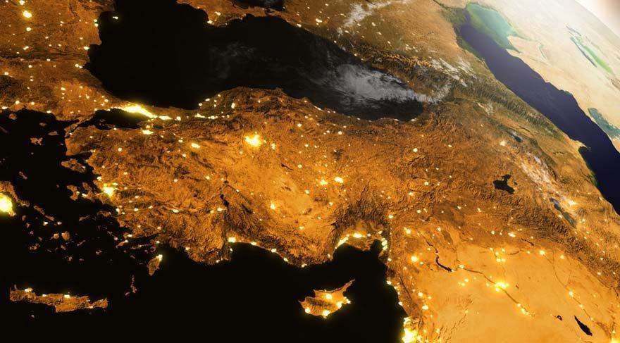 Bu Yeni Ay Türkiye haritasında, 11. evine denk düşmektedir. Dünya astrolojisine göre 11. ev; borsa, kar, işletme, emtia borsası, kanun yapıcılar, şehir meclisi, insanların isteği, parlamento, meclis, ulusal servet, siyasi partiler, toplumsal gruplar, borsa ve hazine demektir.