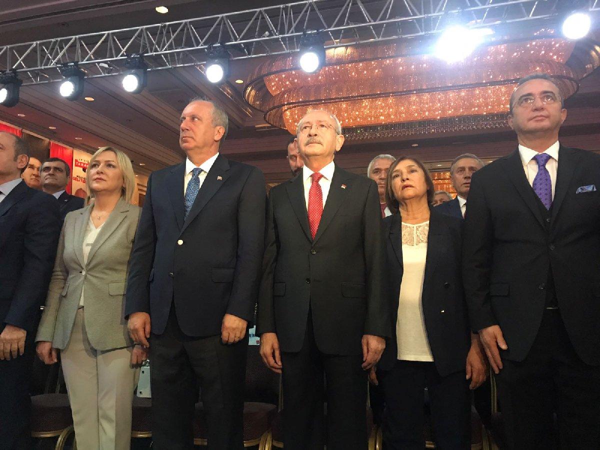 CHP'nin Seçim bildirgesinin açıklandığı toplantı saygı duruşu ve İstiklal Marşı ile başladı. YAVUZ ALATAN- SÖZCÜ
