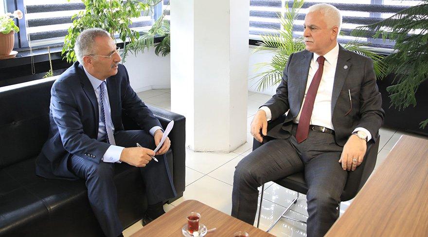 """ERDOĞAN'IN SÖZLERİ DARDA OLDUĞUNU GÖSTERİYOR İYİ Parti Genel Başkan Yardımcısı Koray Aydın, Ankara Temsilcimiz Saygı Öztürk'ün sorularını yanıtladı. Koray Aydın, """"İktidar darda. Erdoğan'ın açıklamaları da bunu gösteriyor"""" dedi."""