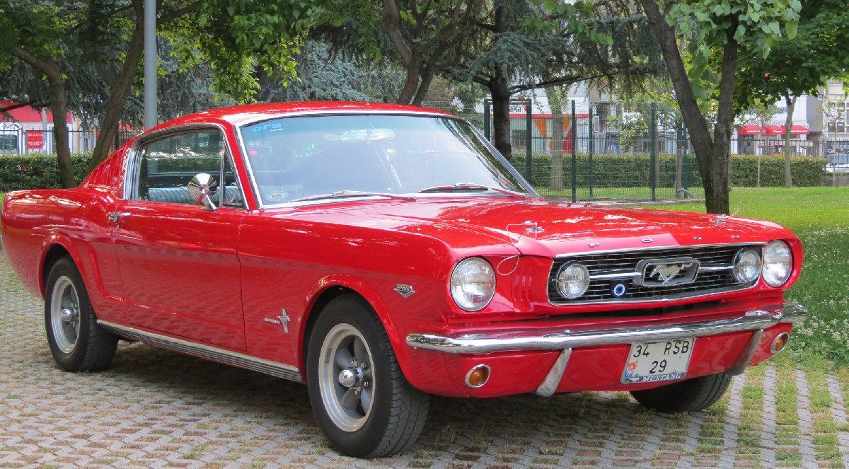 1966-ford-mustang-fastback-en-hizli-kopya