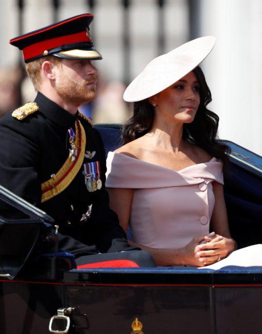 3 hafta önce evlenen Prens Harry ve eşi Meghan da törene katıldı.