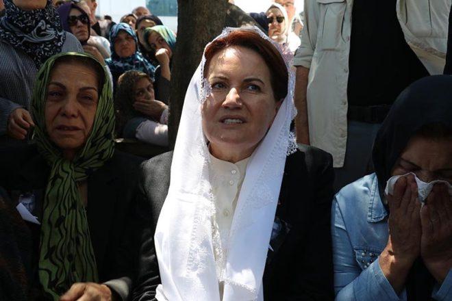 Özyer'in eşi ve Akşener taziyeleri kabul etti.
