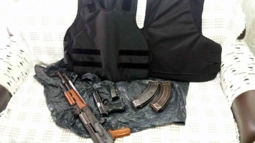 İzmir'de 'Sarallar'a operasyon! Çok sayıda gözaltı var