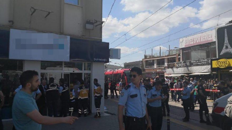 Bursa'da telefon bayisinde çatışma: Bir ölü, iki yaralı