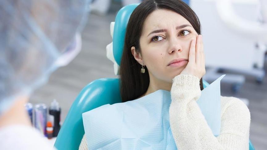 Diş eti çekilmesi neden olur? Diş eti çekilmesinin tedavisi