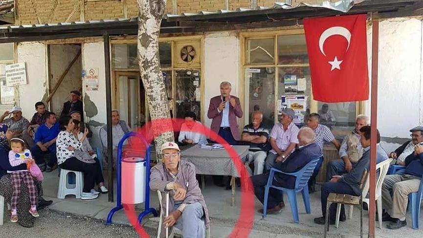 AKP'li Özçelik'e sırtını döndü!