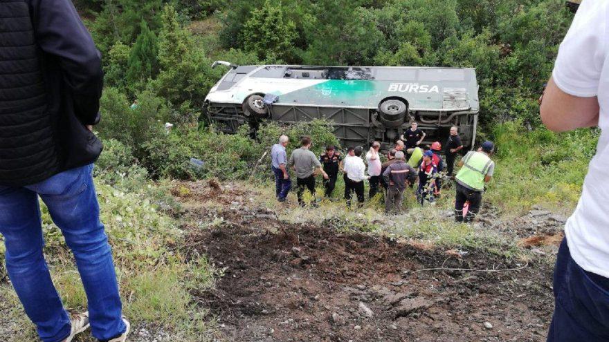 Bursa'da otobüs devrildi! Ölü ve çok sayıda yaralı var