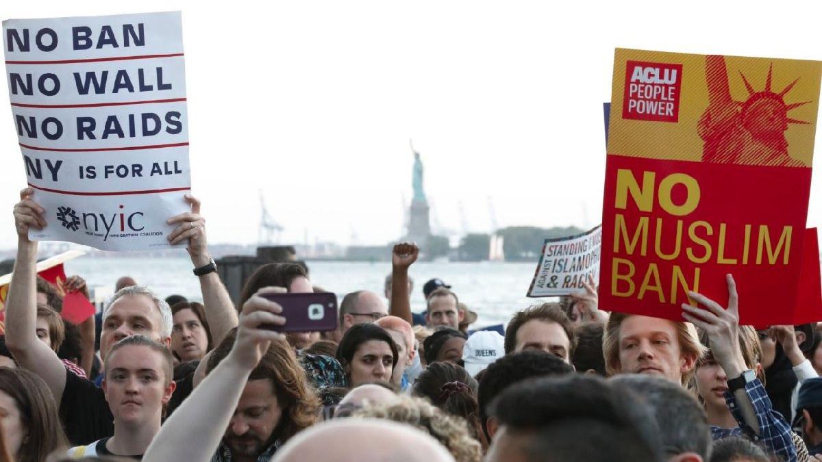 Trump'ın seyahat yasasına büyük tepki geldi