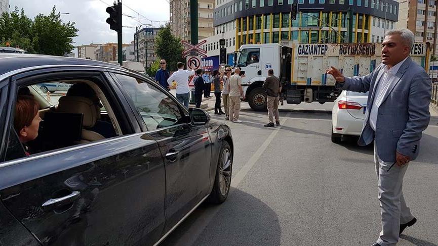 Gaziantep'te skandal: Akşener'in önü çöp kamyonu ile kesildi