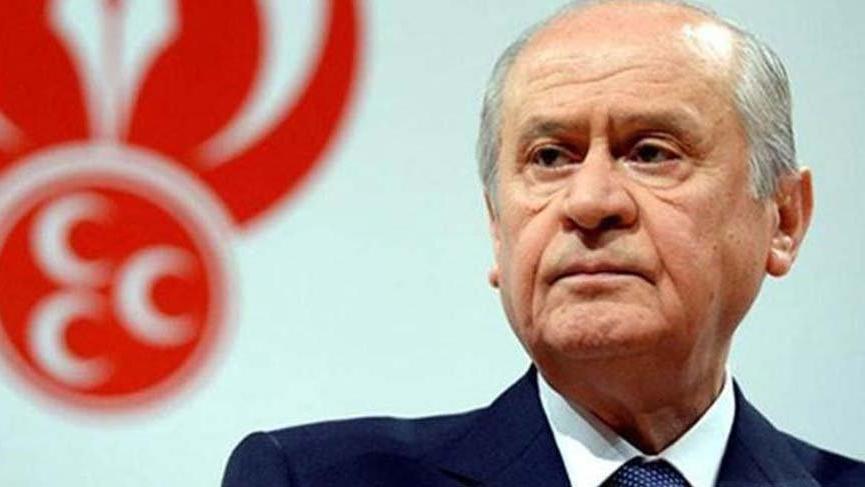Devlet Bahçeli'den, AKP adaylarına sert çıkış