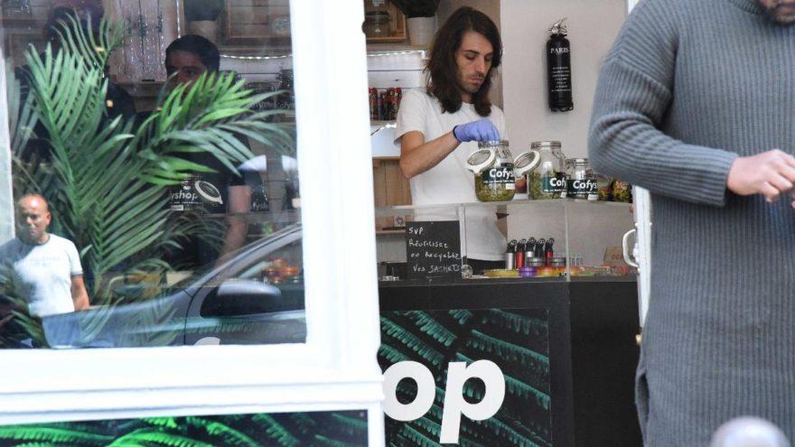 Fransa'da gündem kenevir-kafe… İnsanlar metrelerce kuyrukta bekliyor
