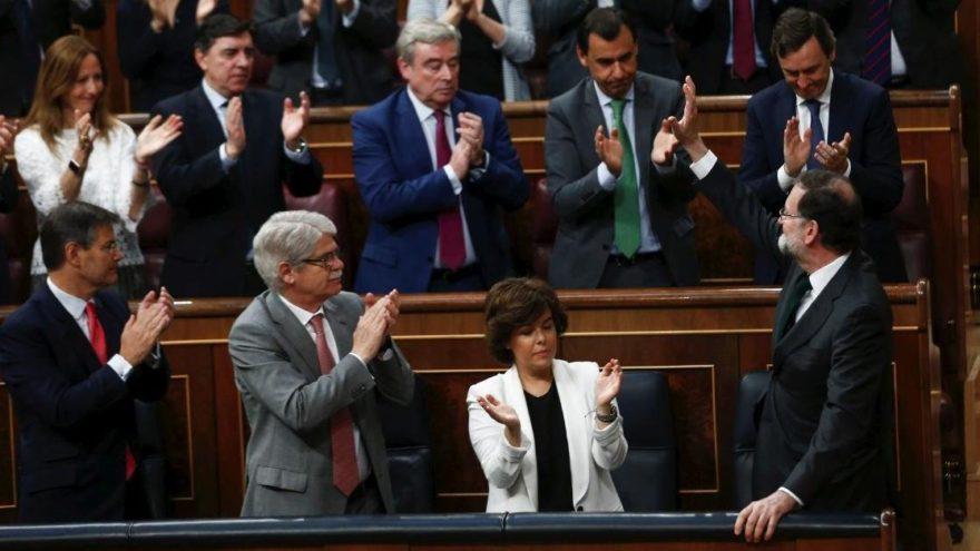 İspanya'da yolsuzluk başbakanın ipini çekti