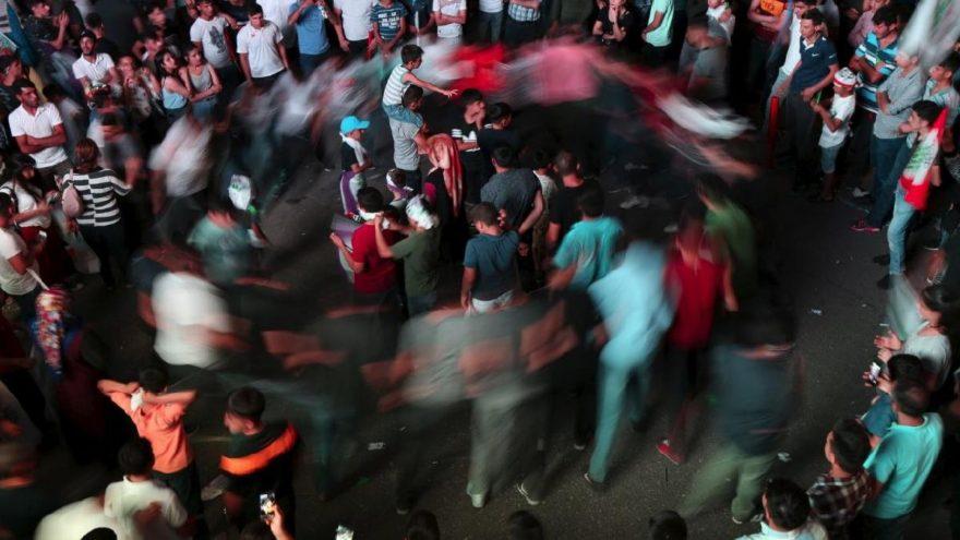 Reuters görüntüledi… HDP'den sevinç halayı