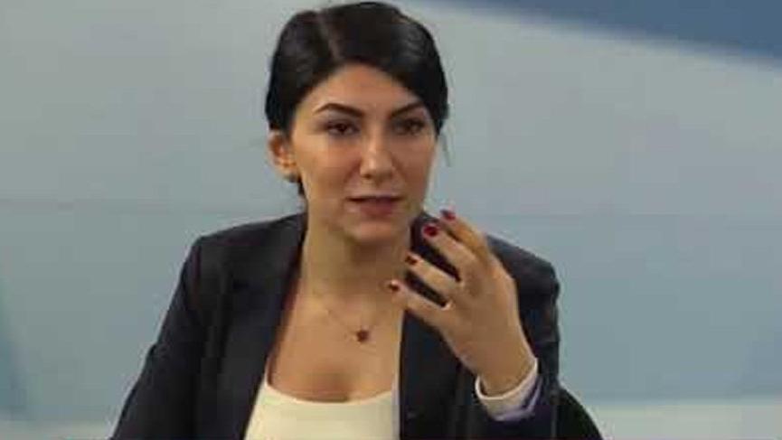 Son dakika haberi… Gazeteci Ece Sevim Öztürk gözaltına alındı