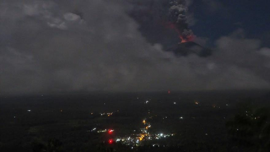 Bali'de yanardağ uyarısı