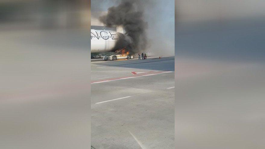 Frankfurt Havalimanı'nda yangın paniği
