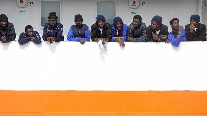 Akdeniz'de bırakılan göçmenlere İspanya sahip çıktı