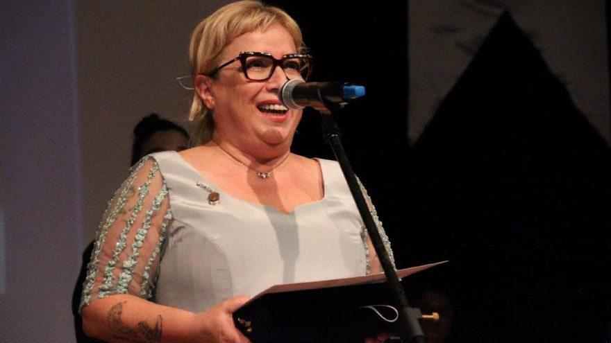 Ayşe Erbulak'a 'Yılın en iyi komedi kadın oyuncusu' ödülü