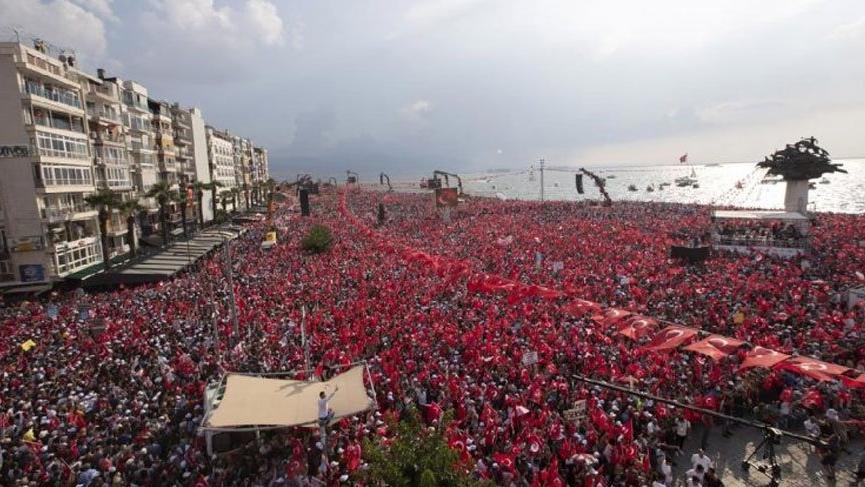 İnce'nin İzmir mitingi sırasında Erdoğan'a hakaret ettiği iddia edilen kişiler tutuklandı