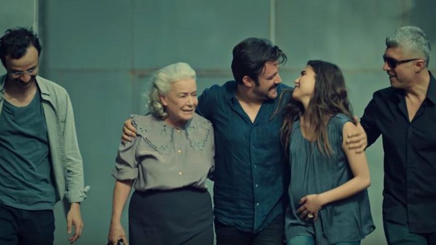İstanbullu Gelin sezon finali yaptı! İstanbullu Gelin 53. son bölüm full izle!