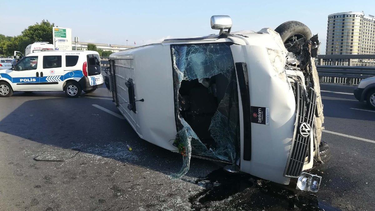 Kazaya yetişmeye çalışan itfaiyeye bile yol vermedi: Aferin minibüs