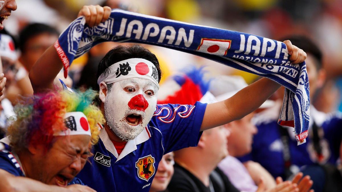 Japonlar kazandı taraftarlar fenomen oldu... Stadı terk etmediler ve...