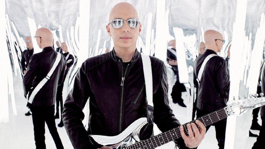 Efsane virtüöz Joe Satriani Türkiye'ye geliyor