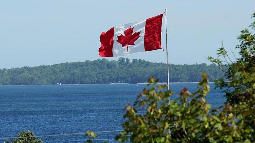 Kanada'da peçe yasağı askıya alındı