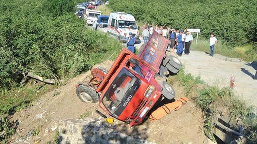 Samsun'da freni boşalan kamyon dehşet saçtı