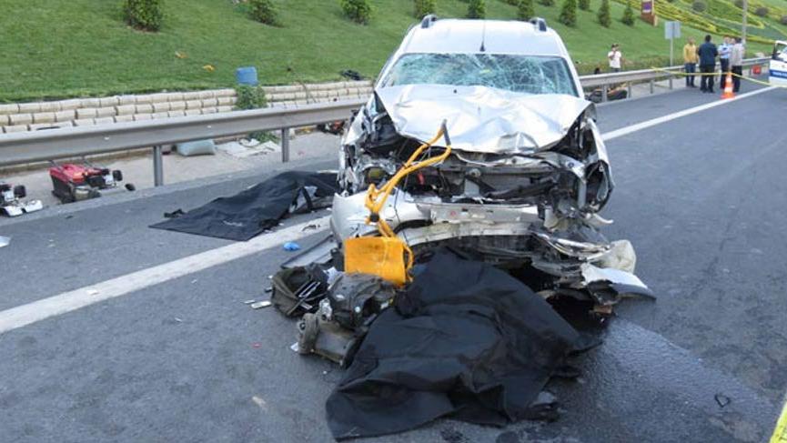 Ümraniye'de feci kaza: 2 ölü 5 yaralı