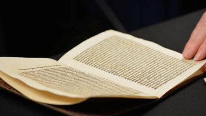 Yıllar önce çalınmıştı… 525 yıllık mektup evine döndü!