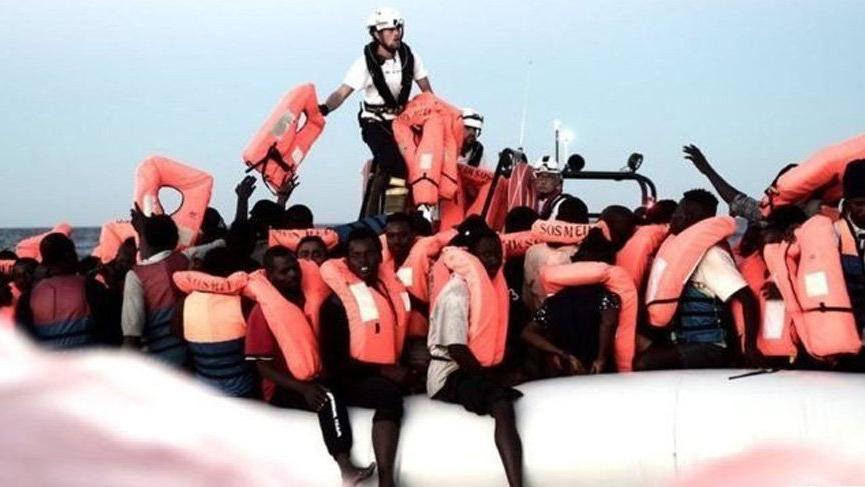 İtalya'da göçmen krizi: Kurtarma gemisi limana alınmıyor