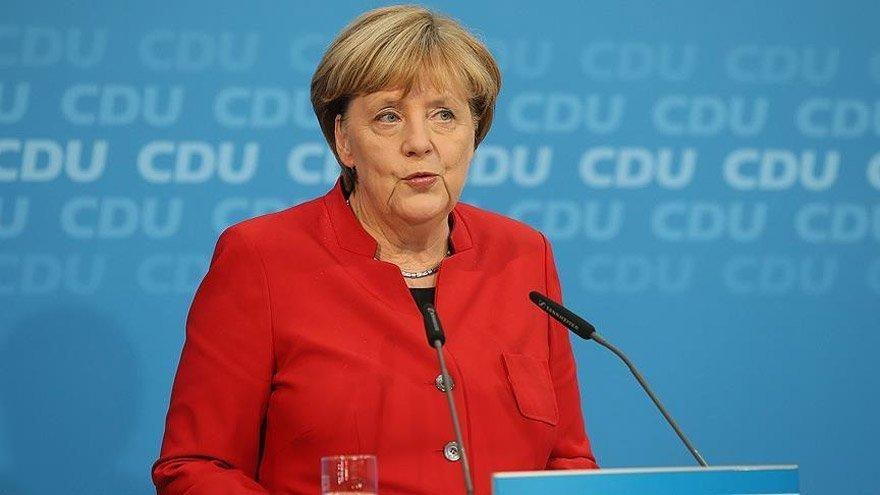 Almanya Başbakanı Merkel 3 milyar euronun Türkiye'ye nasıl ödeneceğini açıkladı