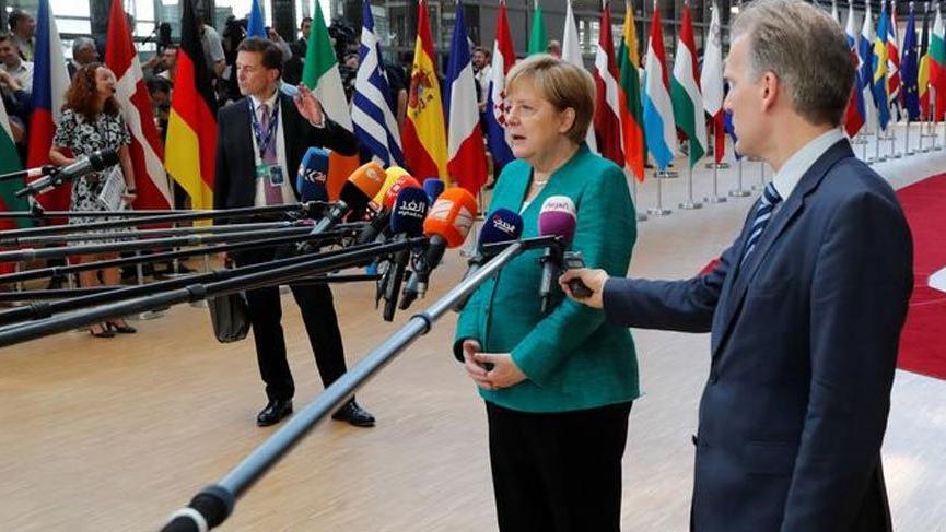 Merkel, mültecilerin kayıt edildikleri ilk ülkeye gönderilmesini planlıyor