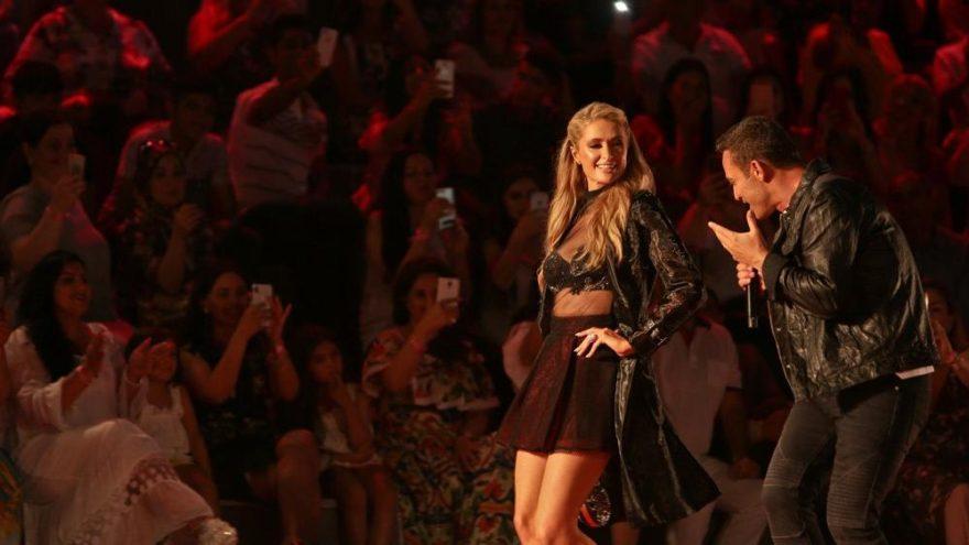 Mustafa Sandal söyledi, Paris Hilton dans etti