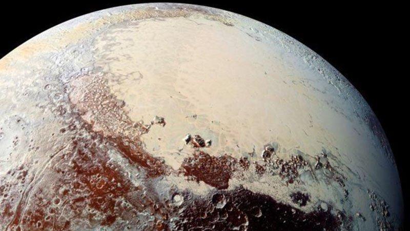 NASA Plüton'da bulduklarını açıkladı: Dünyadakine çok benzer