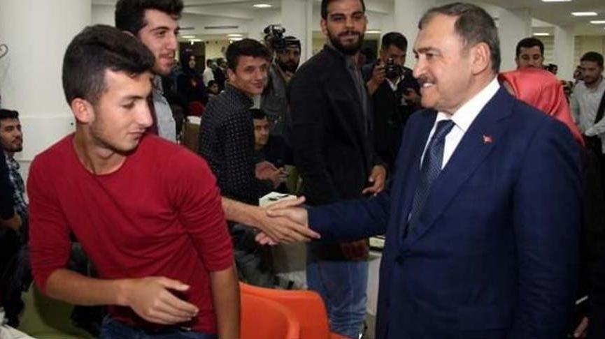Yandaş rektör kampüste AKP iftarı yaptı!