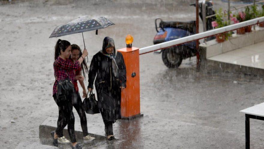 Meteoroloji'den uyarı: Kuvvetli ve sağanak yağış geliyor