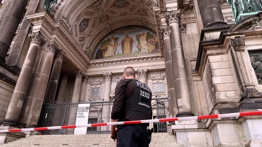 Almanya'da kiliseye saldırı gerçekleştirildi