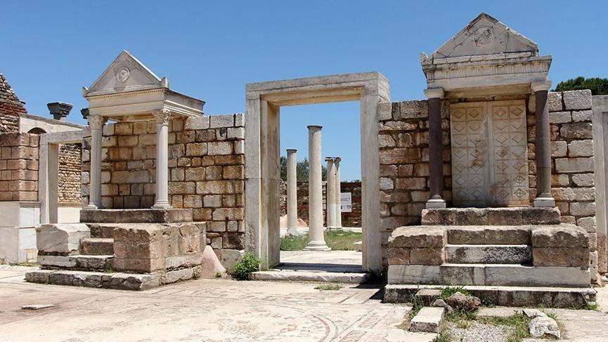 Yahudilerin tarihteki üçüncü sinagogu ihtişamını koruyor