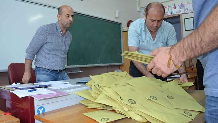 Düzce'de AKP itiraz etti, geçersiz oylar yeniden sayılıyor