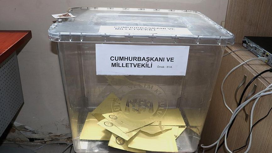 'Türk devletine hayırlı olsun' vatandaş jargonu değil! İlk oylamalarda şaşırtan görüntü