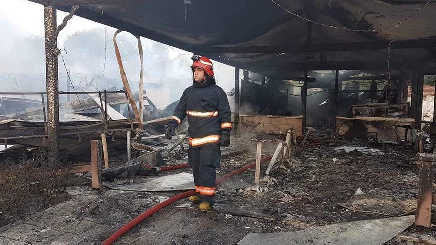 Sapanca Gölü kıyısındaki 10 işyeri yandı